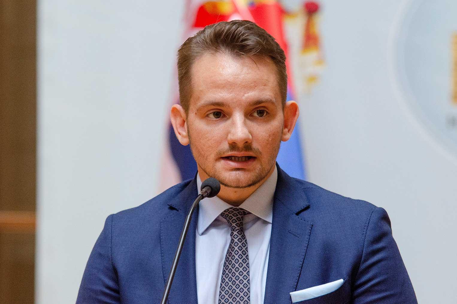 """Стефан Кркобабић: """"ЗАЈЕДНО И КАД НИЈЕ ТЕШКО"""""""